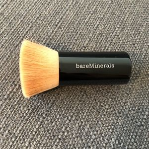 Bare minerals beautiful finish foundation brush